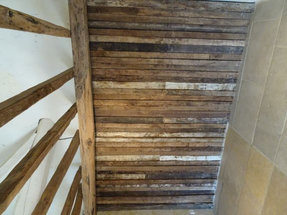Antique oak planks wall cladding