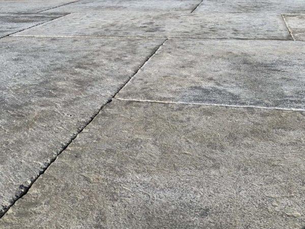 dallage gris en pierre naturelle